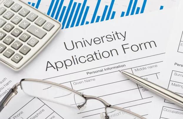 2020年英国本科留学申请材料有哪些?看看你准备全了吗?