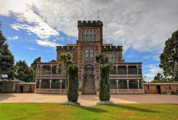 不同阶段,去新西兰留学学费是多少?