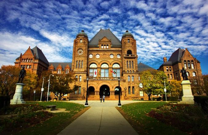 去加拿大读研究生,需要满足什么申请条件?