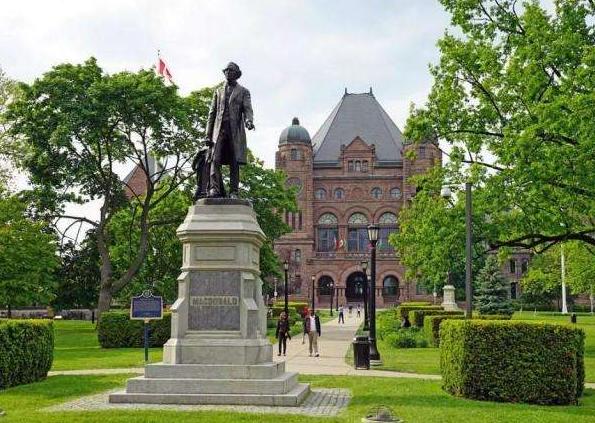 加拿大高中留学费用是多少?四项基本费用详细说明