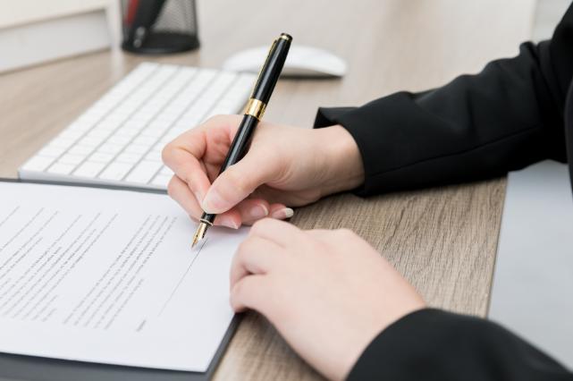 加拿大留学申请文书:个人简历怎么写?