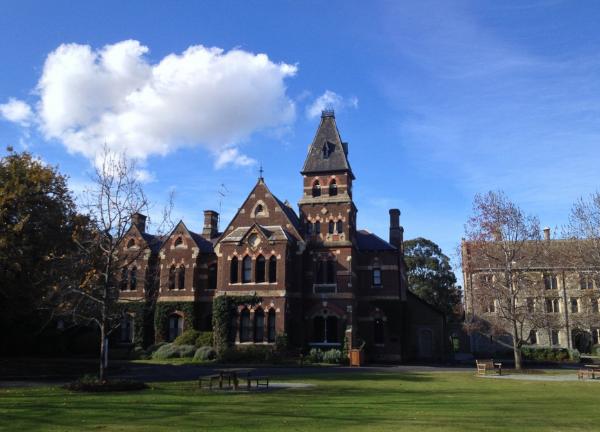 澳洲本科留学申请材料有哪些?看看你准备全了吗?