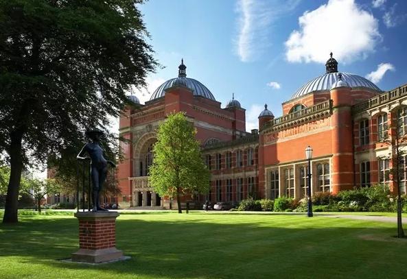 想去英国学音乐教育?英媒推荐这十大高校