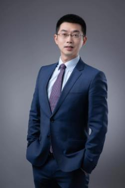 《环球时报》专访新航道首席留学专家冉维:申请季,英美高校今年怎么选?