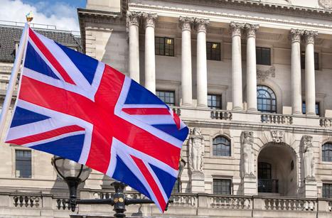 英国留学费用大概需要多少钱 英国留学学什么专业比较好