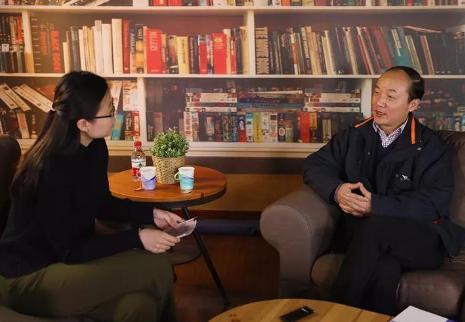 """光明日报《留学》杂志专访胡敏教授—— 留学岔路口下的选择:坚守个性化教育,为学生""""设计""""人生"""