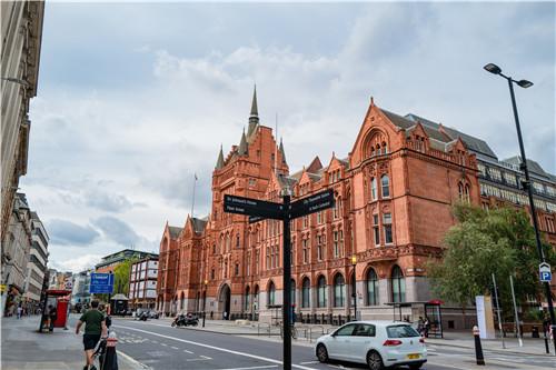 去英国留学申请时间是什么时候?