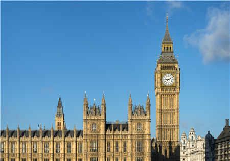 留学英国每年费用贵不贵?一年多少钱?