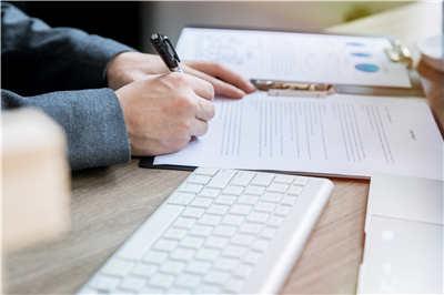 英国留学翻译专业都有哪些分支?就业前景怎么样?