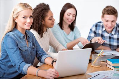 申请美国大学时需要的基本材料。