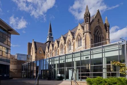 英国翻译专业排名前10的大学都有哪些?