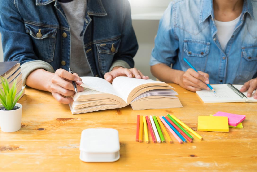 普通家庭条件怎么出国留学?